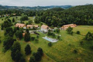 Najboljse-lokacije-za-poroko-na-savinjskem-lavender-hill (1)